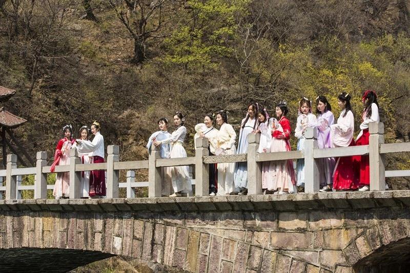 清明假期丨穿汉服游山水,盘点新乡南太行最美春游踏青地!