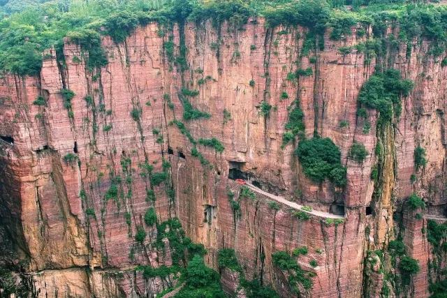 世界上最危险的公路之一,惊险刺激,不看看后悔一辈子......