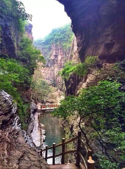 静心清肺之旅——关山红石峡