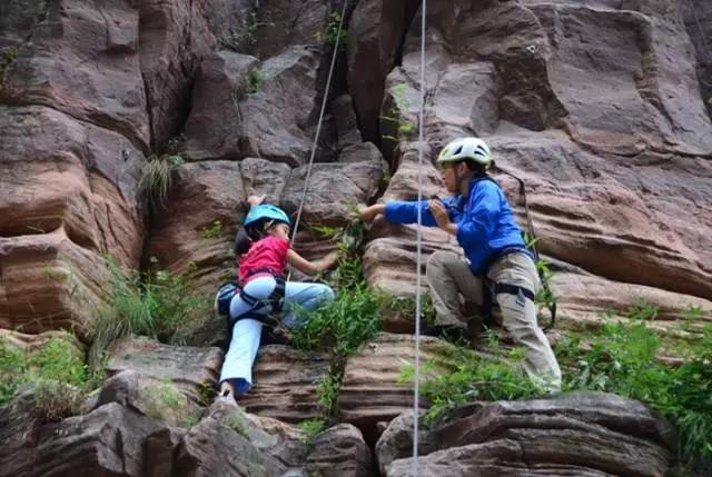 @攀岩爱好者,万仙山国家攀岩公园等你来挑战!
