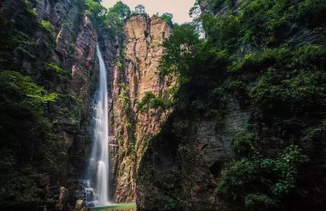 夏已到,想要透心凉?这里的飞瀑流泉等你来!