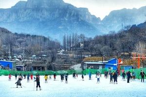 万仙山滑雪